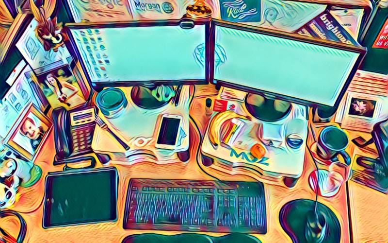 MOM desk Prisma image